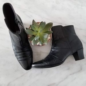 MUNRO AMERICAN Ankle Boots Black Leather Heels 8 N